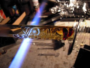 Your Highness with Ruby Sweet Heart - Custom Glass Blunt (8)